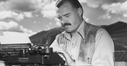 ernest-hemingway-typewriter