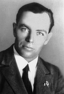 Hinkler formal photo in suit